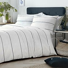 Salcombe White/Navy Duvet Set